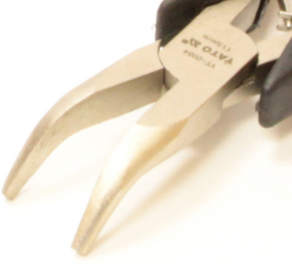 Плоскогубцы-длинногубцы изогнутые Yato YT-2084 115 мм